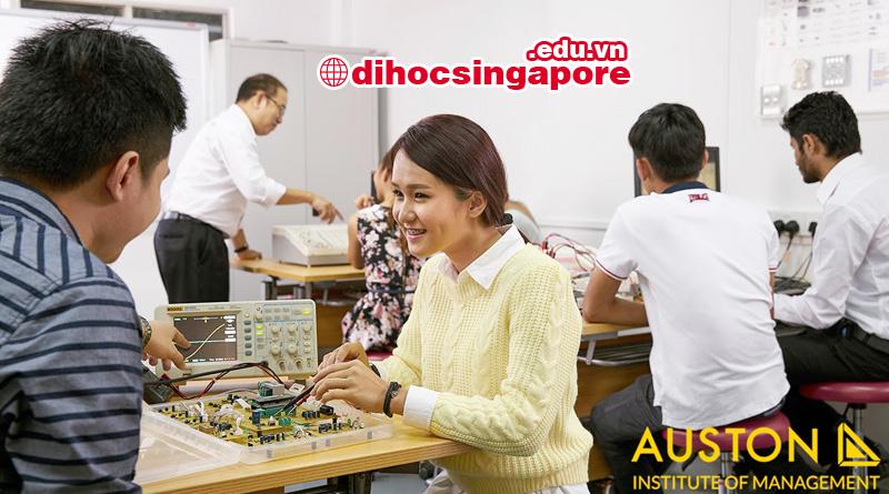 Du học sinh Singapore ngành điện tử truyền thông tại học viện Quản lý Auston