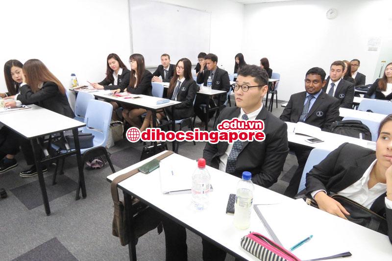 Sinh viên học chương trình liên kết Đại học Vatel Pháp tại Học viện SDH