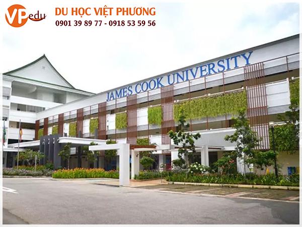 James Cook University đã nhận hơn 39 giải thưởng cho sự xuất sắc trong giảng dạy từ Hội đồng giảng dạy và giải thưởng tại Úc và các khu vực khác theo hệ thống của JCU